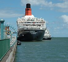 QE2 Port Melbourne by kittbagg