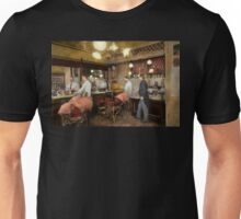 Barber - L.C. Wiseman Barbershop, NY 1895 Unisex T-Shirt