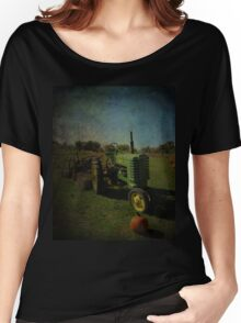 Yesteryear Antique John Deere Tractor on The Farm Women's Relaxed Fit T-Shirt