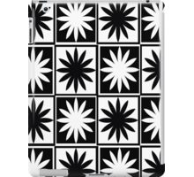 Black and White Daisy Checkers Pattern iPad Case/Skin