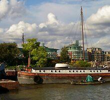 Thames Barge by InterestingImag