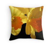 Daffy- down- dillies Throw Pillow