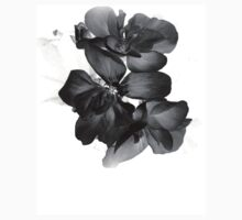 Geranium in black and white T-Shirt