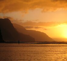 Hawaiian sunset by Alastair Humphreys