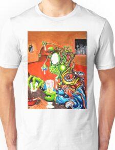 An Alien walks into a bar... Unisex T-Shirt