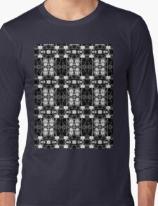 white bleeding heart macro, black and white pattern Long Sleeve T-Shirt