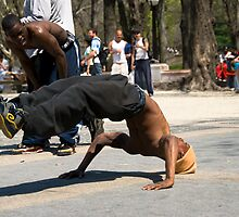 Breakdancer 8 by Louis Galli