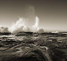 Boom, Spoon Bay, Central Coast by Matt  Lauder
