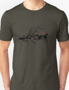 squirrels on tree branch with red hearts Unisex T-Shirt