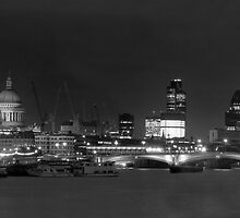 S Pauls from the Southbank by jon  daly