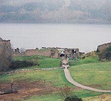 Urquhart Castle by julie08