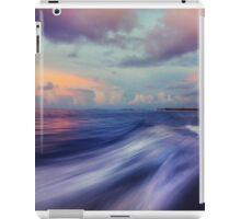 Sunset Wave. Maldives  iPad Case/Skin