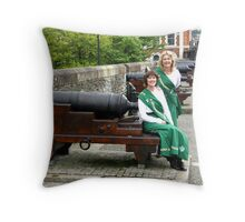 Derry Tours - Derry city (Ireland) Tourist Guides Throw Pillow