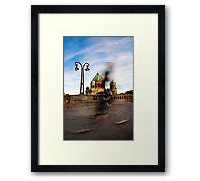 Radfahrer / Berliner Dom Framed Print