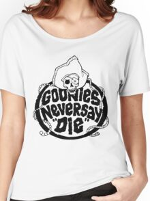 Goonies Never Say Die T-Shirt Women's Relaxed Fit T-Shirt