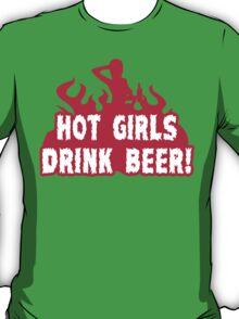 HOT GIRLS DRINK BEER Funny Geek Nerd T-Shirt
