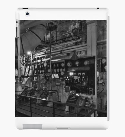 keeping the Queen Mary on course... iPad Case/Skin
