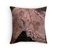 maple leaf droplets Throw Pillow