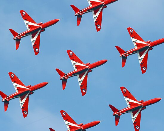 Red Arrows by northernphotos