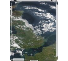UK and IReland - United Kingdom and Ireland as seen from space iPad Case/Skin