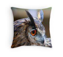 Eurasian Eagle Owl (Side elevation) Throw Pillow