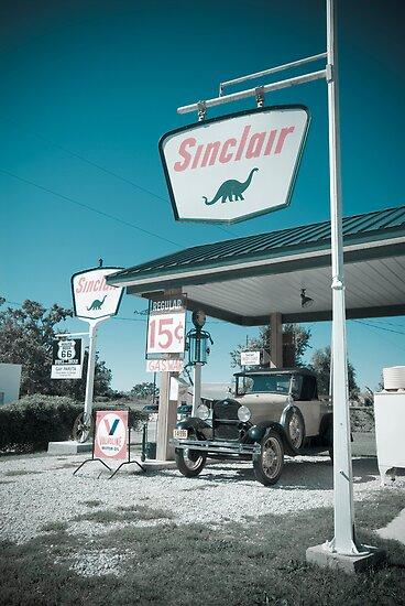 Gay Parita Gas Station. Missouri. (Alan Copson ©) by Alan Copson