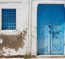 Tunisian Door by Robert Scammell