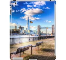 River Thames View iPad Case/Skin