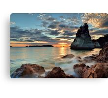 Te Hoho Amber Dawn Canvas Print