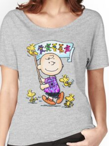 Wave that flag Charlie Brown Women's Relaxed Fit T-Shirt