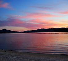 Jindabyne sunrise by Kiandra Bourne