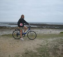 Biking around the Groix Island by dolphin