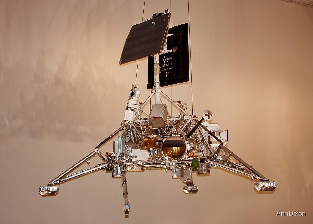 Space Landing Module by AnnDixon