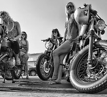 Cafe Racer Babes by Vintagee