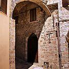 Assisi passage by Jörg Holtermann