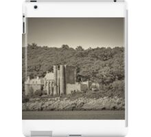 Famous Hammond castle in black and white iPad Case/Skin
