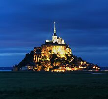 MONT ST MICHEL, FRANCE by Eamon Fitzpatrick