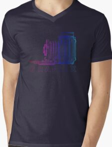 Vintage Photography - Graflex (Version 2) - Multi-Colour Mens V-Neck T-Shirt
