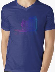 Vintage Photography - Graflex (Version 2) - Multi-Colour Mens V-Neck T-Shirt