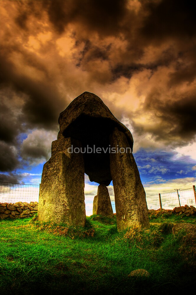 Legananny Dolmen by doublevision
