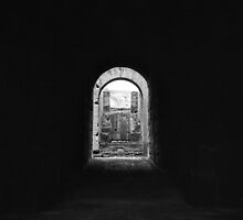 Colosseum tunnel, Roma by Maggie Hegarty