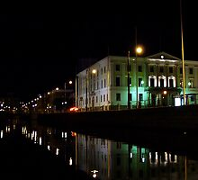 Natt kanal by Ranald