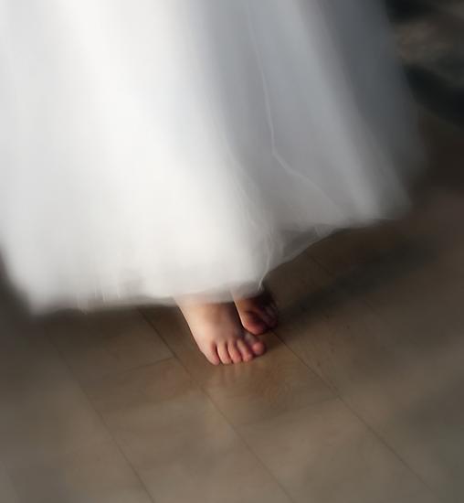Tiny Tip Toes by Keeli