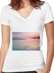 Sunset along the coast Women's Fitted V-Neck T-Shirt