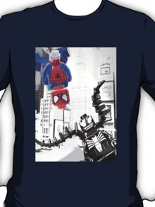 Lego Spiderman vs. Venom in the city (vert) T-Shirt