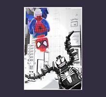 Lego Spiderman vs. venom in the city (with border) T-Shirt