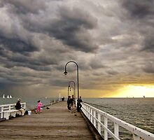 Dusk on St Kilda Pier : photograph by Roz McQuillan