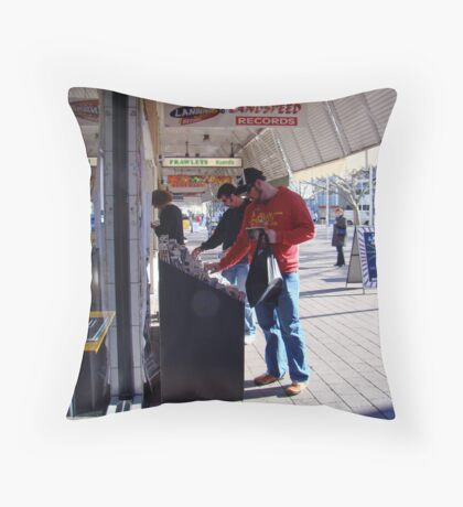 browsing Throw Pillow