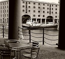 Albert dock  by Paul Reay