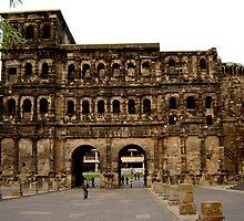 Porta Nigra by Diana F. Sá